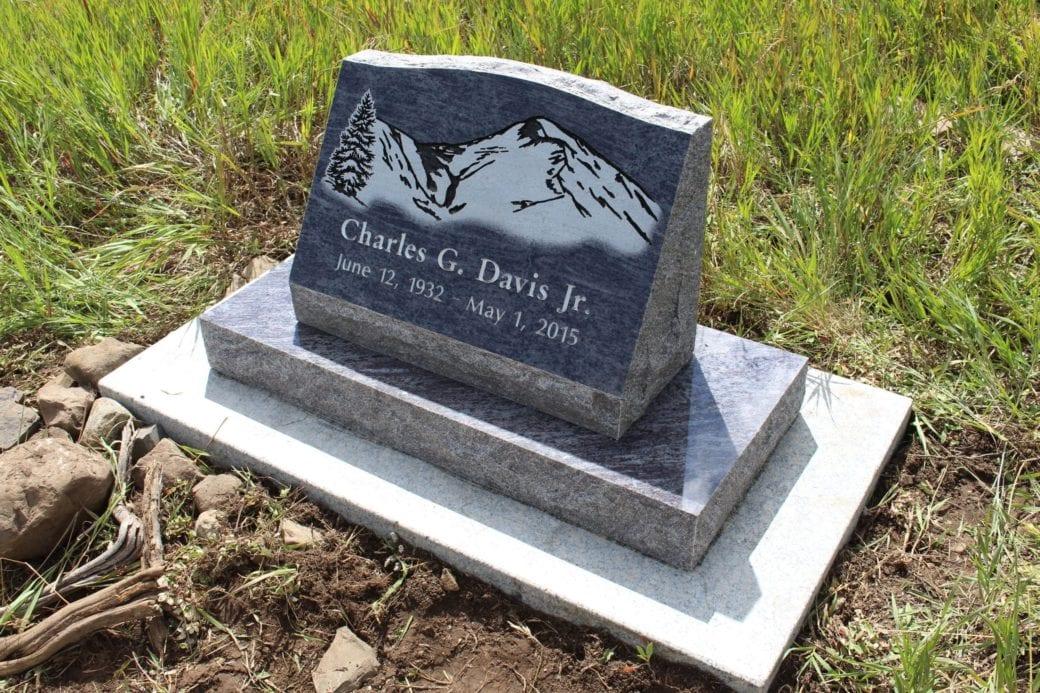 Davis Slant Memorial