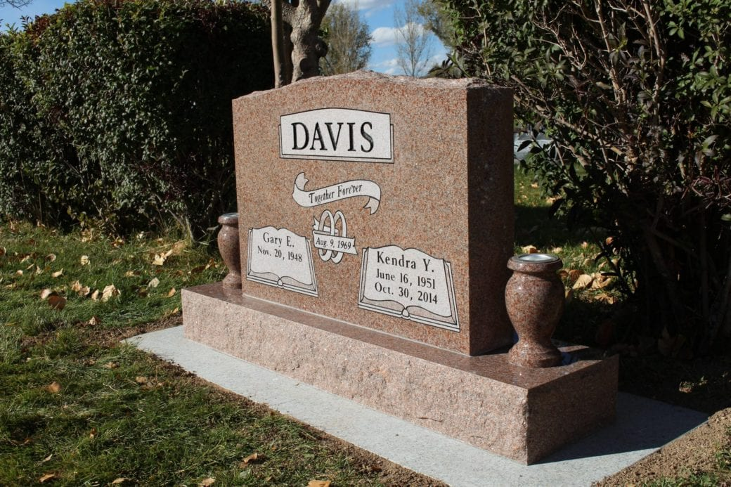 Davis Upright Companion Memorial