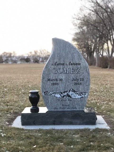 Gomez Upright Tablet Monument