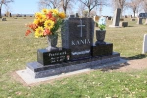 Kania Companion Memorial Upright