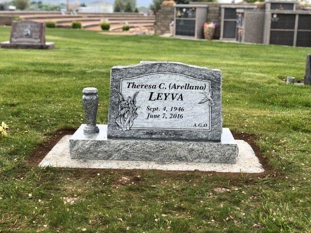 Leyva Slant Memorial For One Person